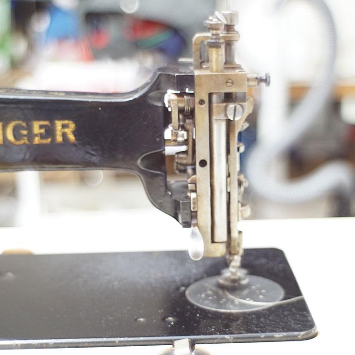 チェーン刺繍 古いミシン